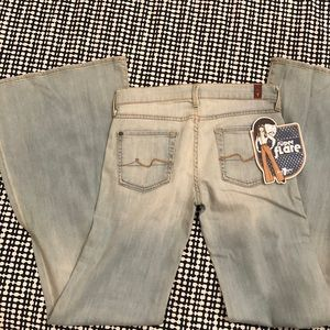 NEW WITH TAGS 7 For All Mankind Super Flare Jean